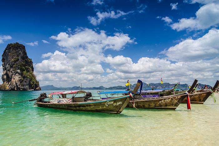 Таиланд начал постепенно снимать карантин
