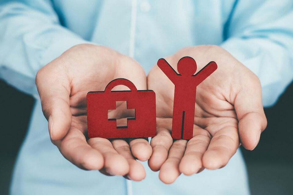 Эксперты ответили на самые распространённые вопросы про страховку от COVID-19