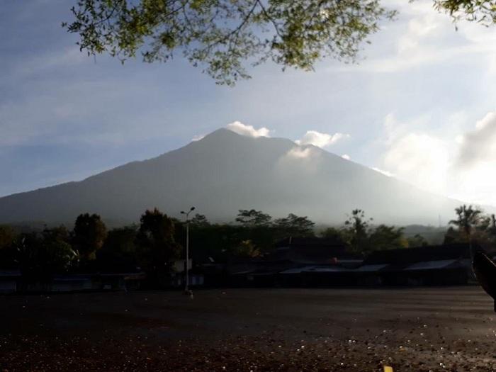 Из-за угрозы извержения вулкана Агунг наБали эвакуировано 57 тысяч человек