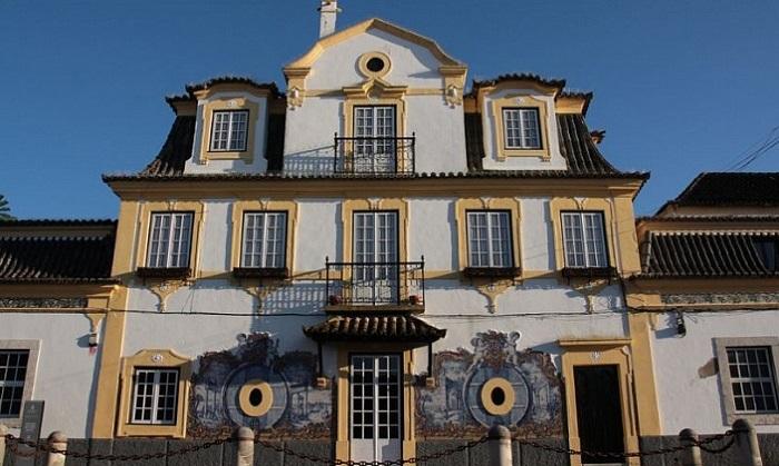 Азейтау, Португалия